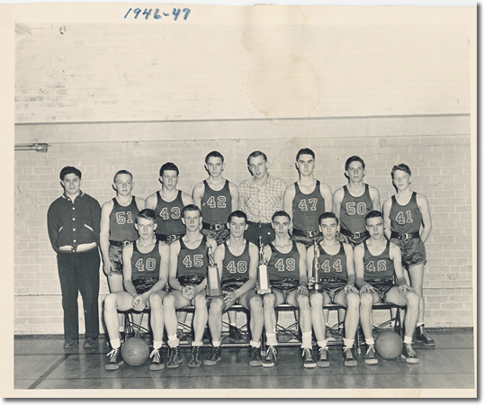 photo of the 1946-47 Arenzville basketball team
