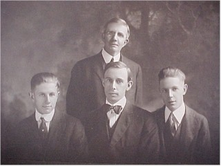 grandsons.jpg (18664 bytes)